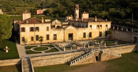 Palazzo-della-Torre-Villa